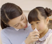 アラミスト点鼻薬の使い方(子供)