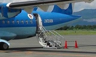 天草エアラインイルカ飛行機の搭乗口
