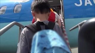 階段を登って天草エアライン搭乗口へ(熊本空港)