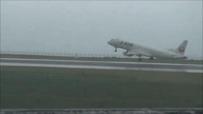 エクシブ白浜アネックスから飛行機離陸を眺める