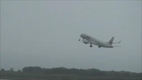 エクシブ白浜アネックスから飛行機離陸後を眺める